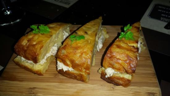 Grouw, Ολλανδία: Tortilla rellena con bonita