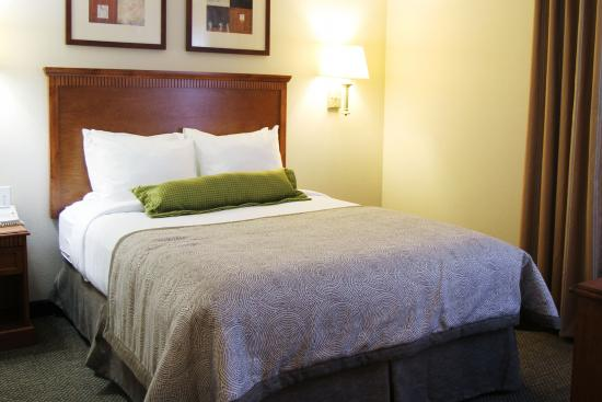 Candlewood Suites Lafayette River Ranch : Suite-One Bedroom