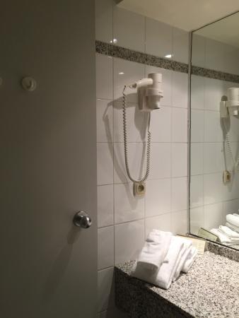 Best Western Premier Keizershof Hotel: Bathroom 3