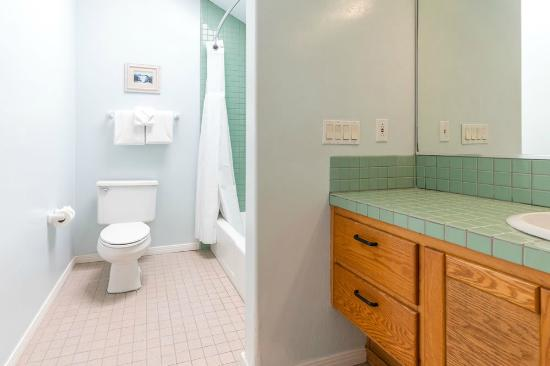 Del Mar, Kalifornia: Studio Suite - Bathroom