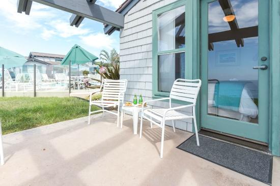 Wave Crest Resort: One Bedroom Suite - Patio