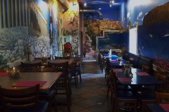 King Gyros Greek Restaurant: KING GYROS - Dining Area