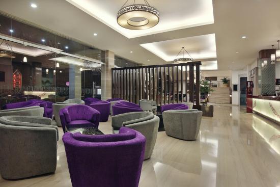 Singkawang Hotels: Hotel Khatulistiwa, Singkawang ...