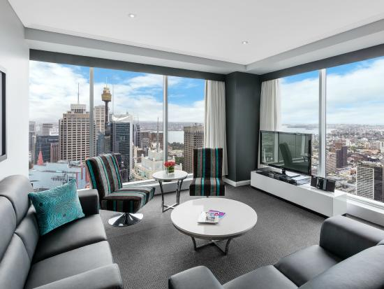 Meriton Serviced Apartments World Tower: Modern Suite with 3 Bedrooms