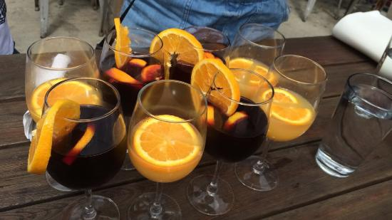 Saxapahaw, Carolina del Norte: Mimosas and Sangria are a must.