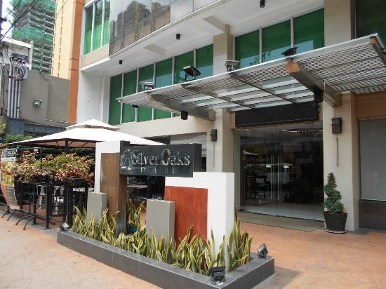 Silver Oaks Suites & Hotel