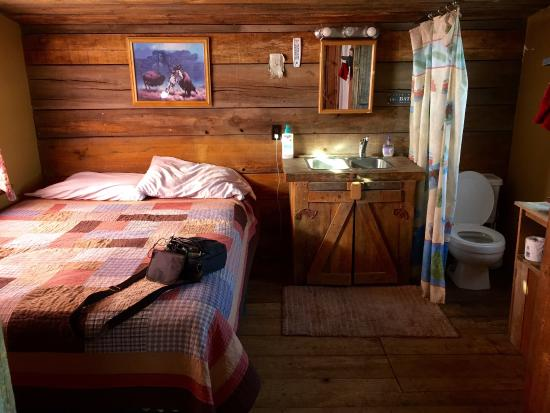 2 Person Cabin Picture Of Cowboy Dinner Tree Restaurant Silver Lake Tripadvisor