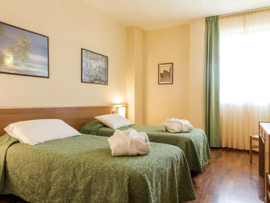 Hotel Torresi: Camera