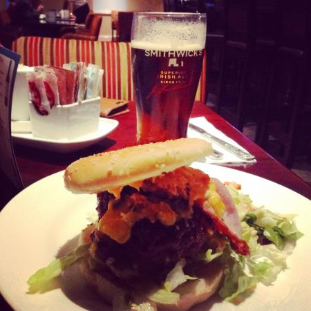 ‪‪Gortahork‬, أيرلندا: My burger last night(instagramed to enhance my dodgy photography)‬