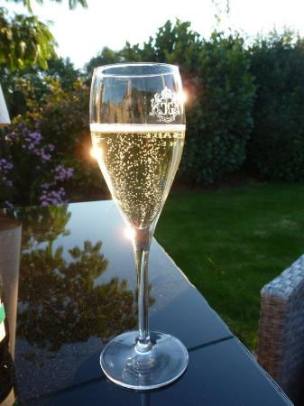 Champagne Guy Charbaut : Champagne ...