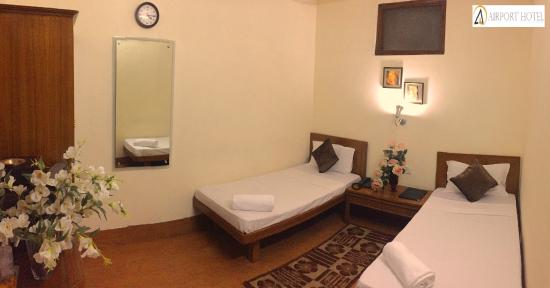 Airport Hotel: Standard Room