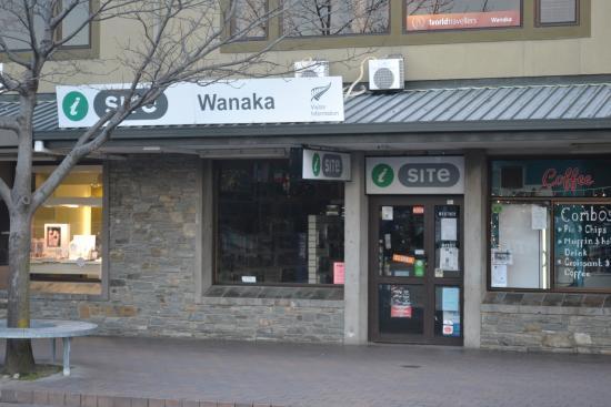 Lake Wanaka i-SITE Visitor Information Centre: Frente del I-Site
