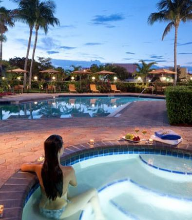 Courtyard by Marriott Fort Lauderdale East: Outdoor Whirlpool