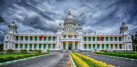 Lalitha Mahal Palace Hotel: Exterior