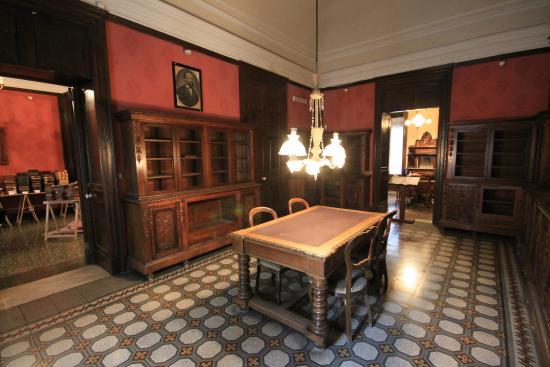 Casa Museo Giovanni Verga : la Biblioteca