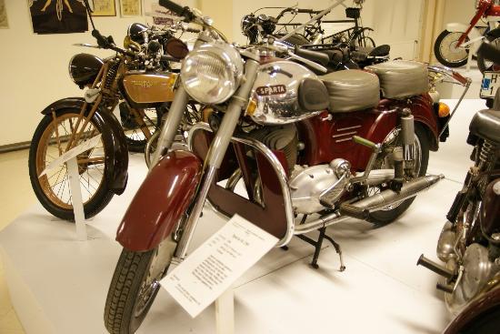 Eds MC- and Motormuseum for veteran motorbikes: Hollands glorie in Zweden