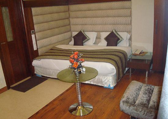 Omega Residency: Amazing Room at affordable price
