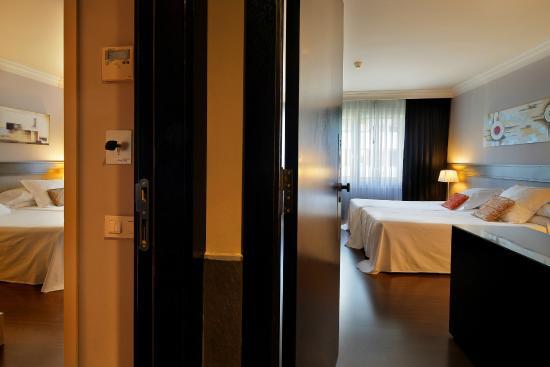 Condado Hotel Barcelona : Family room