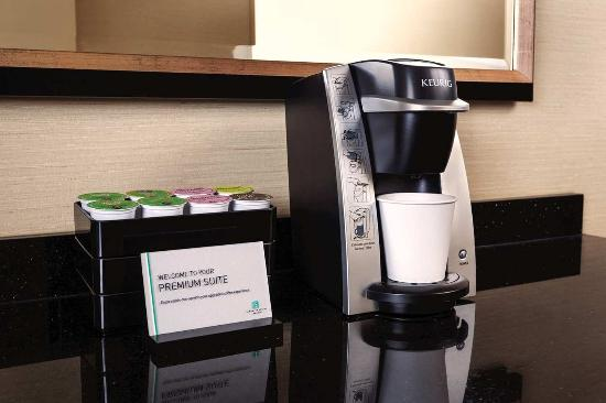 Embassy Suites by Hilton San Antonio - NW I-10: In-room Coffe station