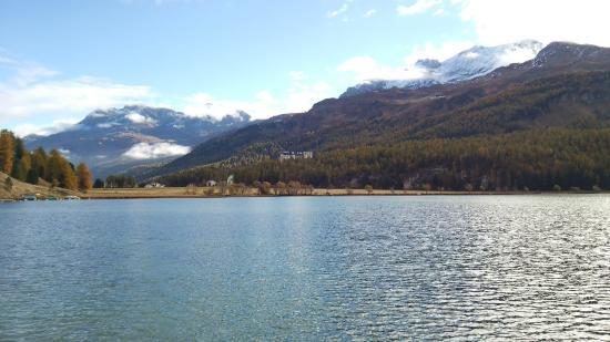 Silvaplana, Sveits: 湖の周りです