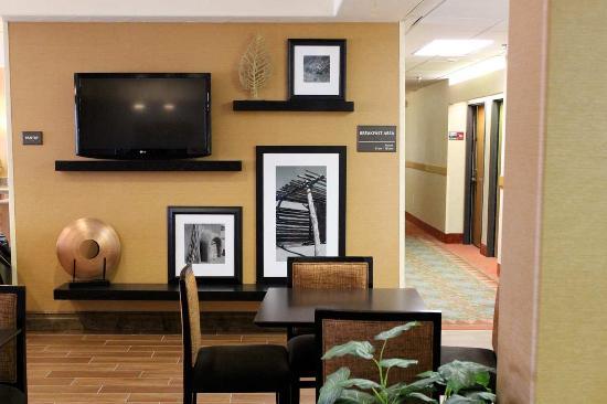 Hampton Inn Taos: Lobby