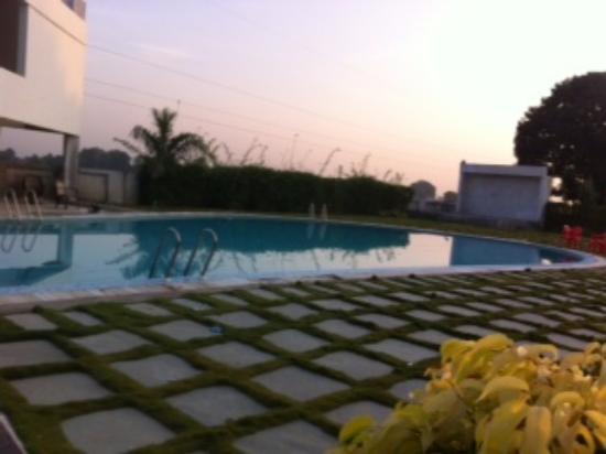 Bhimraj resort and club dewas madhya pradesh for Speciality hotels