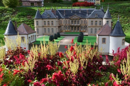parc miniatures plombi re les bains picture of parc imperial plombieres les bains tripadvisor. Black Bedroom Furniture Sets. Home Design Ideas