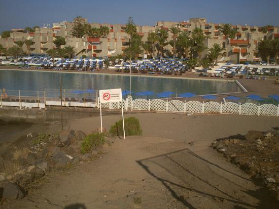 La piscine d eau de mer alborada beach picture of for Club piscine chauffe eau