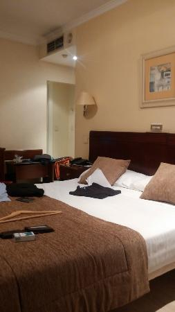 Hotel San Carlos: The bed of 306 room