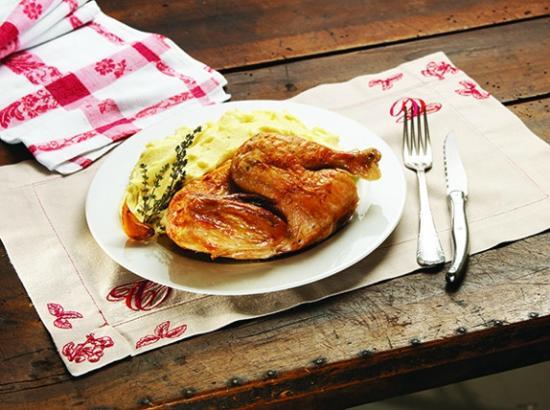 Chez Clement : Le poulet fermier d'Auvergne, Label Rouge