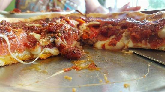 Dobro's: Thee BEST Pizza in DeLand Florida