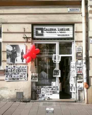 LueLue Gallery