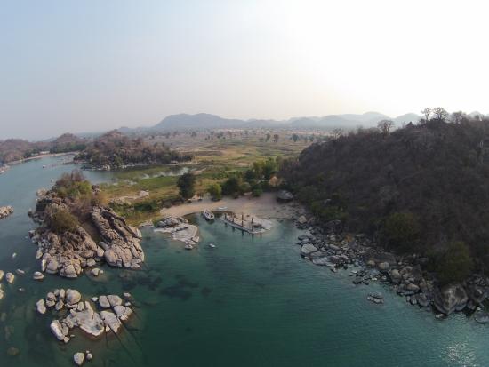 Monkey Bay Mufasa Backpacker Lodges : Drone photo Mufasa