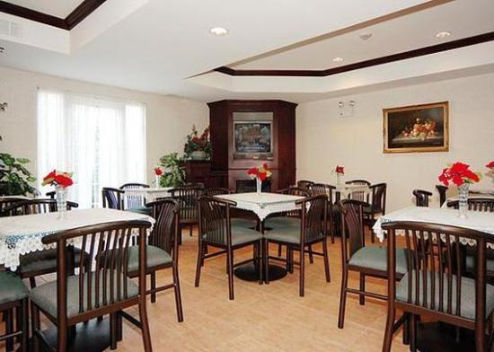 Comfort Suites Newark : Restaurant