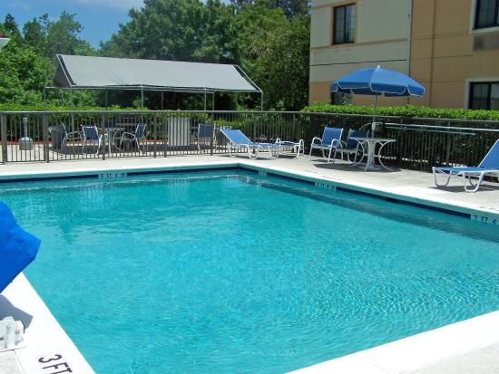 Extended Stay America - Melbourne - Airport: Swimming Pool