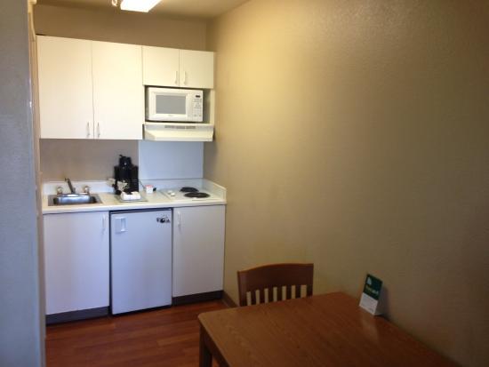 Crossland Economy Studios - Denver - Thornton: Fully-Equipped Kitchens