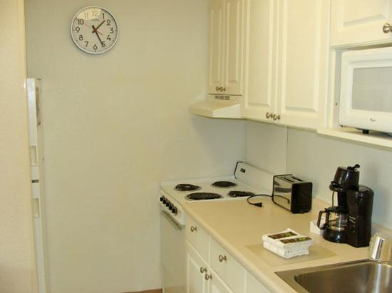 Extended Stay America - Philadelphia - Mt. Laurel - Pacilli Place: Fully-Equipped Kitchens