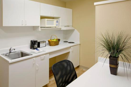 Extended Stay America - Chicago - Itasca: Fully-Equipped Kitchens