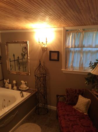 Country Charm Bed And Breakfast Amazing Bathroom With A Wonderful Couch