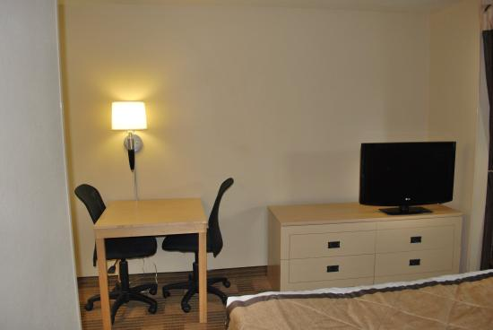 Extended Stay America - St. Louis - Westport - East Lackland Rd.: Studio Suite - 1 Queen Bed