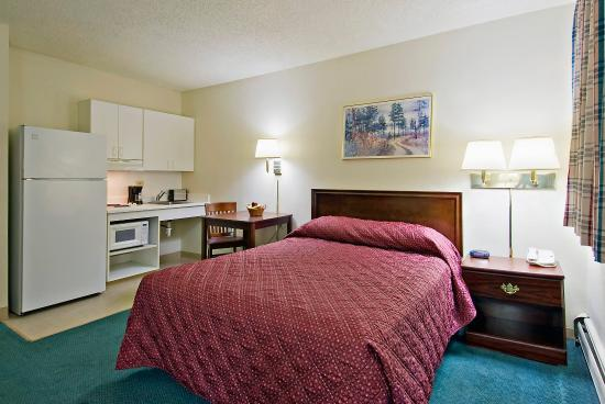 Crossland Economy Studios - Denver - Lakewood West: Studio Suite - 1 Queen Bed