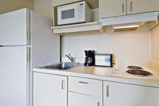 Crossland Economy Studios - Denver - Lakewood West: Fully-Equipped Kitchens