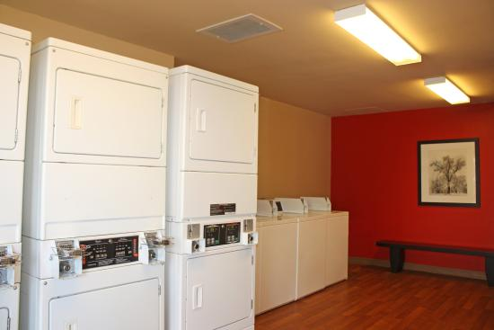 Extended Stay America - Huntsville - U.S. Space and Rocket Center: On-Premise Guest Laundry