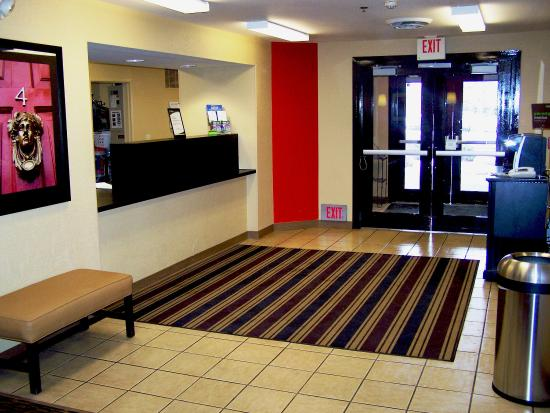 Extended Stay America - Minneapolis - Airport - Eagan - South: Lobby and Guest Check-in