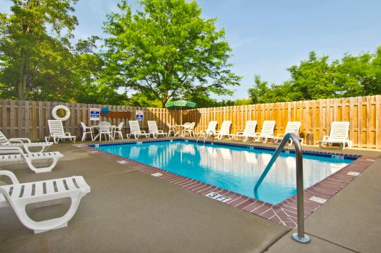Extended Stay America - Dayton - Fairborn: Swimming Pool