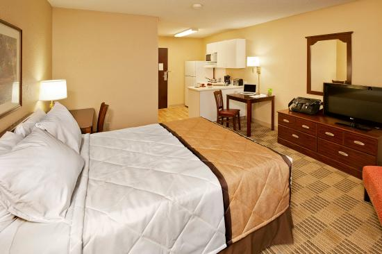 Extended Stay America - Cincinnati - Blue Ash - Reagan Highway: Studio Suite - 1 Queen Bed