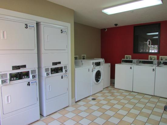 Extended Stay America - Atlanta - Perimeter - Hammond Drive: On-Premise Guest Laundry