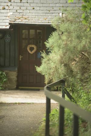 Leannan Boathouse door