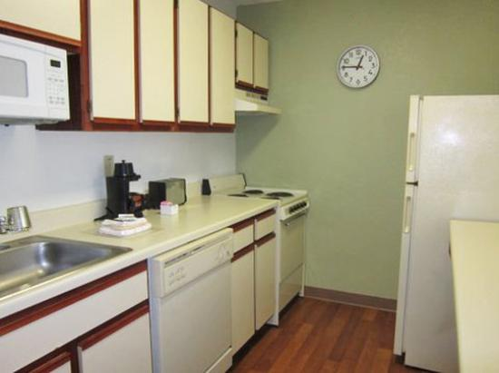 Extended Stay America - Austin - Metro: Fully-Equipped Kitchens