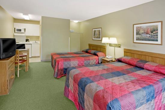 Crossland Studios - Chicago - Waukegan: Studio Suite - 2 Double Beds